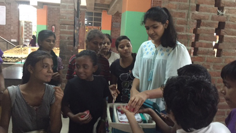 Saloni Dhir a volunteer - with the Arushi girls
